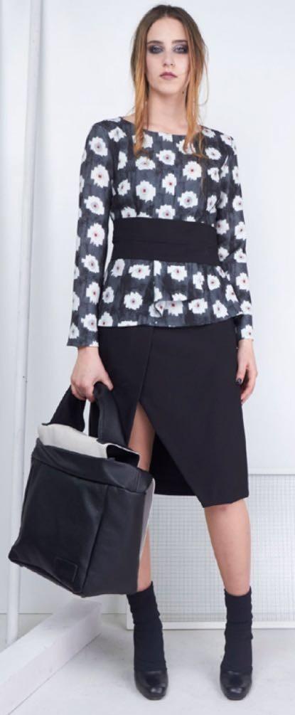 Платье черное в цветы Malloni 40363S038
