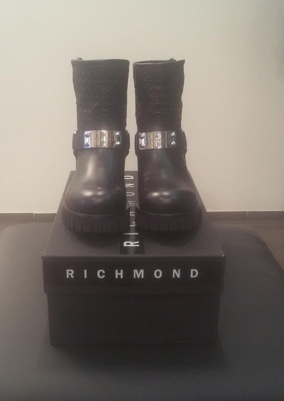 Сапоги черные с пряжкой Richmond 6317