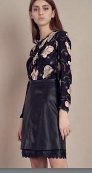 Блузка черная в цветы SFIZIO арт.4110 Image 1