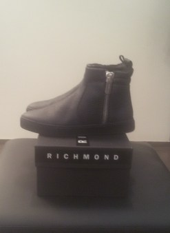 Ботинки черные на меху сбоку молния Richmond 6449 Image 1