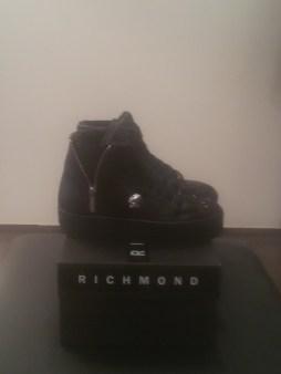 Кроссовки черные со стразами на меху Richmond 6395 Image 1